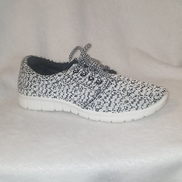 MIA BLACK AND WHITE SPECKLED TENNIS SHOES